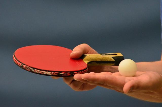 卓球ボール白オレンジ